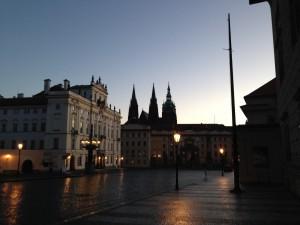 プラハ早朝ラン王宮前広場