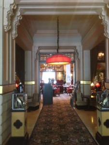 オランダ デン・ハーグの最高級ホテルDes Indes宿泊記豪華なロビー