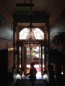オランダ デン・ハーグの最高級ホテルDes Indes宿泊記エントランス
