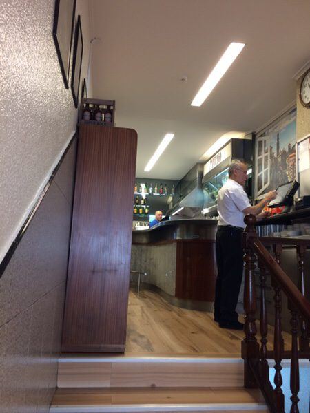 ポルト名物フランセジーニャ@Café Santiago店内