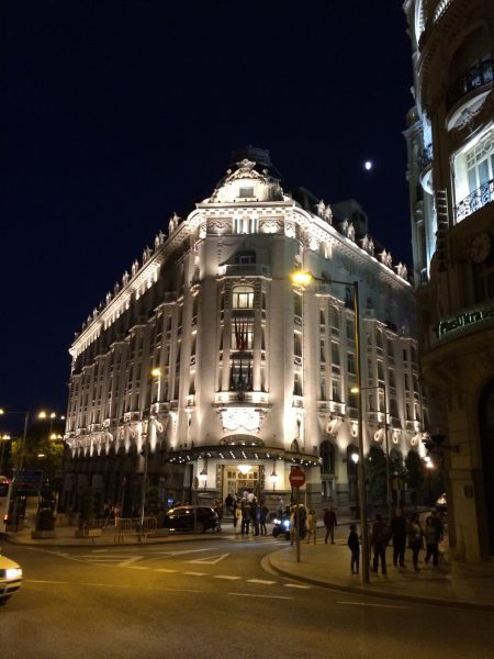 Westin Palace Madrid夜景外観