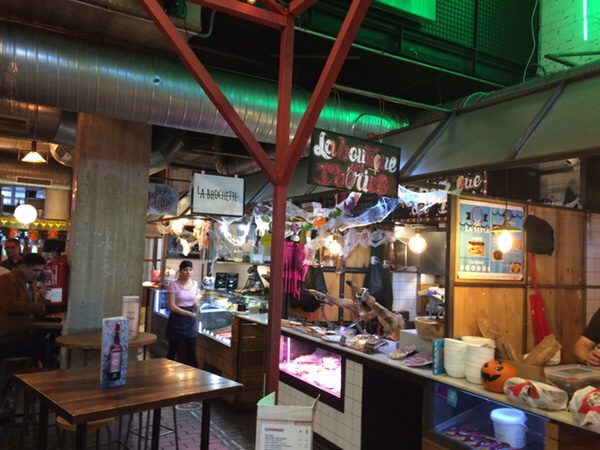Mercado San Ildefonso市場内の雰囲気