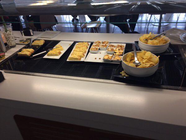 マドリード・バラハス空港 Sala Puerta de Alcalaラウンジスペイン料理