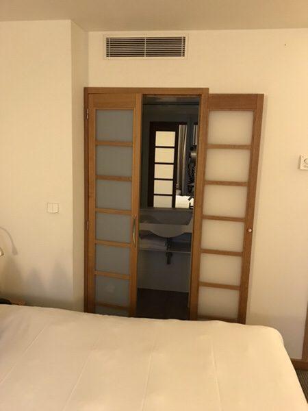 Hotel Novotel Paris Centre Bercyバスルームへの扉