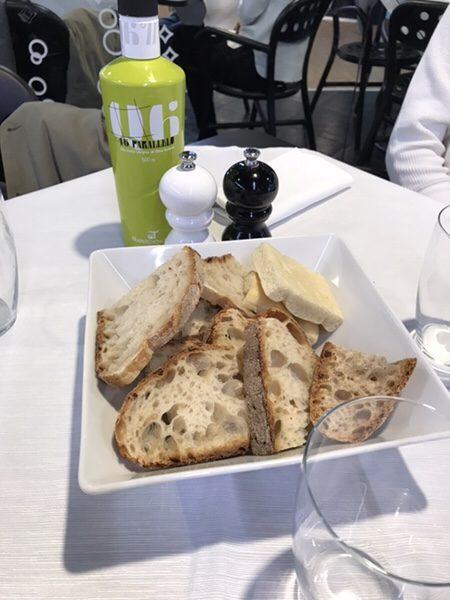 Ferrari Spazio Bollicineでランチ@ローマ空港パン