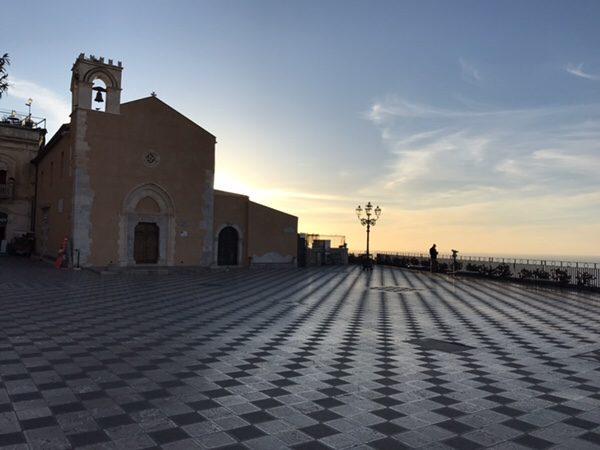 taormina-morning-run Piazza IX Aprile,Taormina