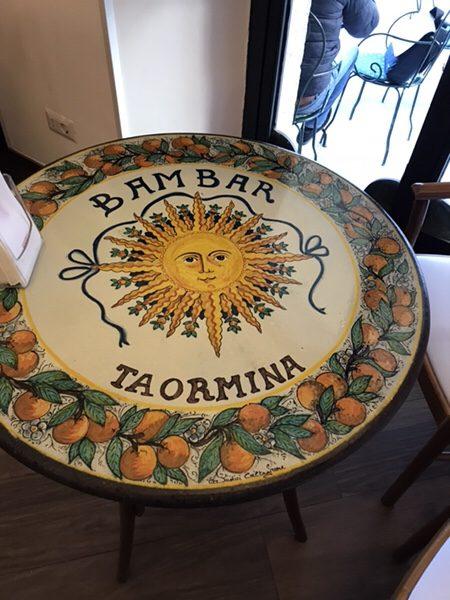 Bam Bar taorminaテーブル