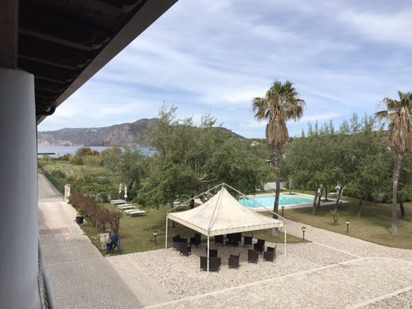 Hotel Garden vulcanoバルコニーからの庭に景色