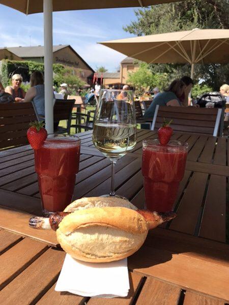 Bauer Lipp@Weiterstadt白ワインとフレッシュイチゴジュース