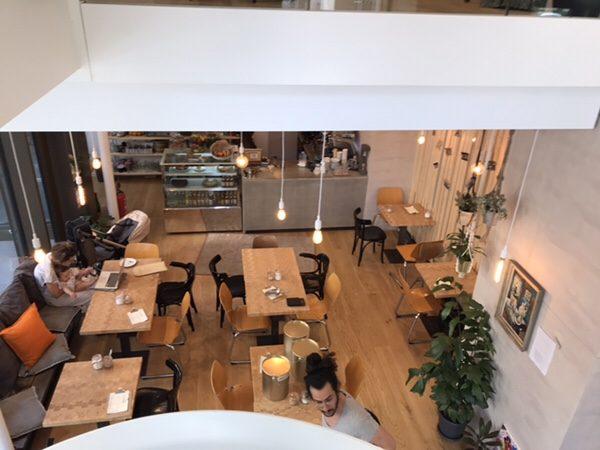 Bohnerie café röstsalon@frankfurt店内一階席上から