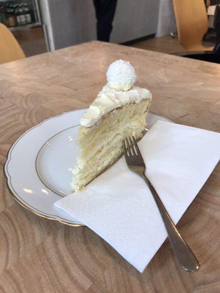 Bohnerie café röstsalon@frankfurtホワイトチョコレートケーキ