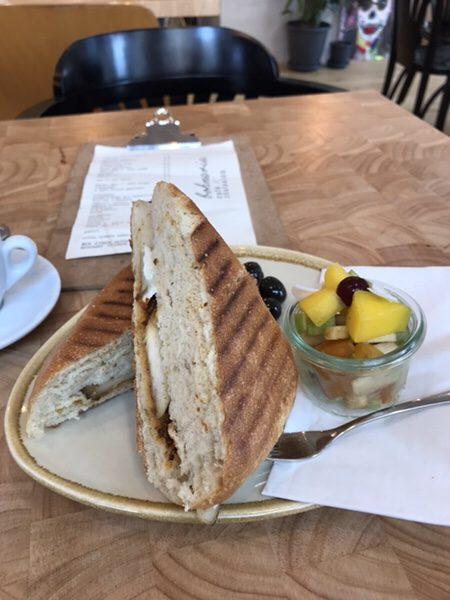Bohnerie café röstsalon@frankfurt洋ナシのパニーニ