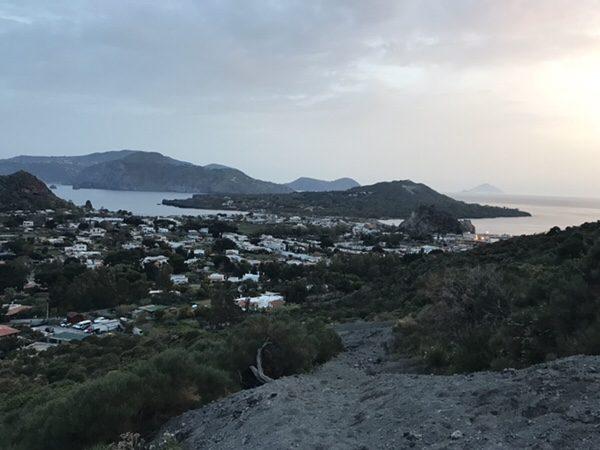vulcanoで早朝ラングラン・クラテーレ山絶景
