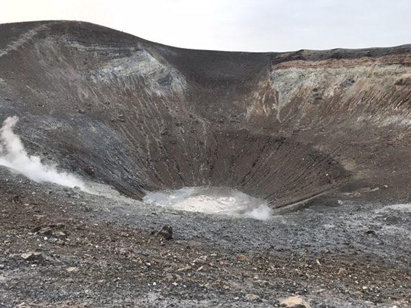 vulcanoで早朝ラングラン・クラテーレ山火口