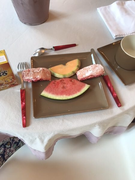 hotel-champagne-a-bergere breakfast