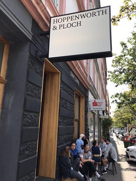 Hoppenworth & Ploch Röstereiカフェの外観