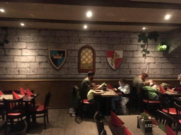 LEGOLAND Feriendorf Restaurant Zur Tafelrunde