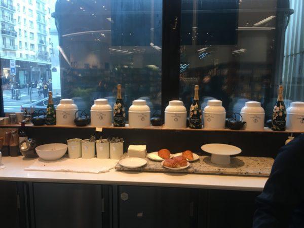 Le Petit Cafe La Grande Épicerie de Paris