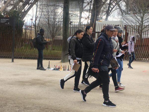 fiddling group in Paris